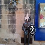 Рыцарь (крестоносец) на улице Мдины, Мальта