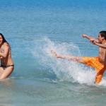 Подростки резвятся в Средизамном море
